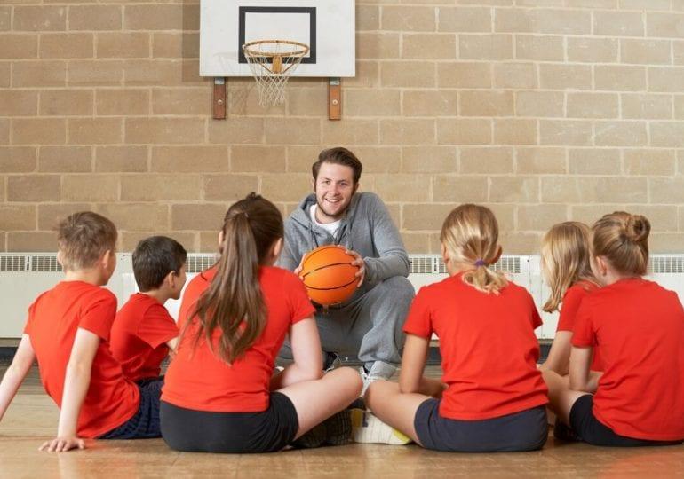 Basketball mit Kindern #10: Anfängergesten für aufstrebende Schiris