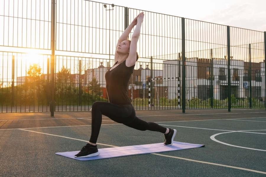 Trainieren wie die NBA-Stars: Yogaflow für Basketballer