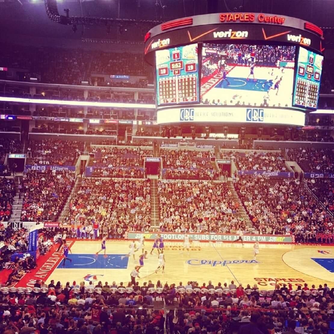 Ein Basketballspiel Clippers gegen Knicks